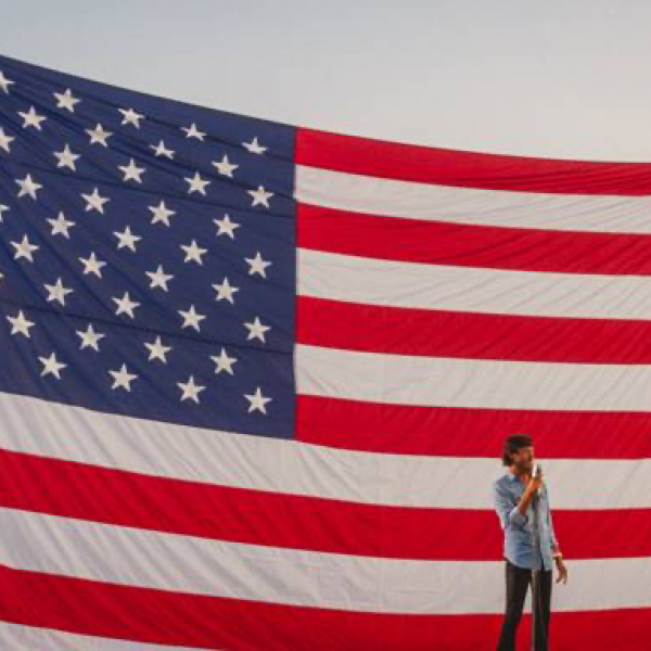 "CHRIS JANSON PERFORMS ALONGSIDE UNITED STATES AIR FORCE BAND IN ""A SALUTE TO SERVICE"" VIRTUAL EVENT HONORING VETERANS"