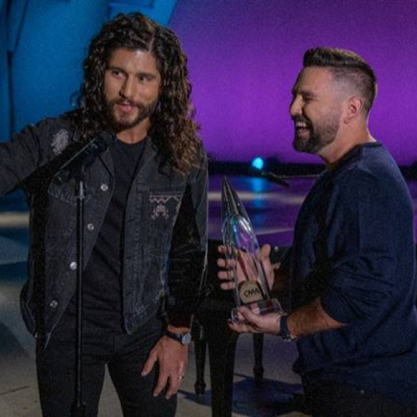 DAN + SHAY CLAIM SECOND CONSECUTIVE CMA AWARD FOR DUO OF THE YEAR